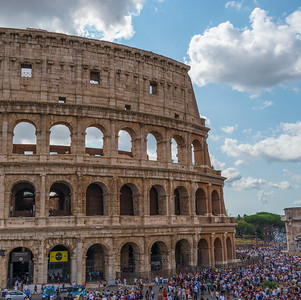 5Rome_Coliseum-2