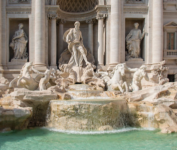 4Rome_Trevi Fountain-5