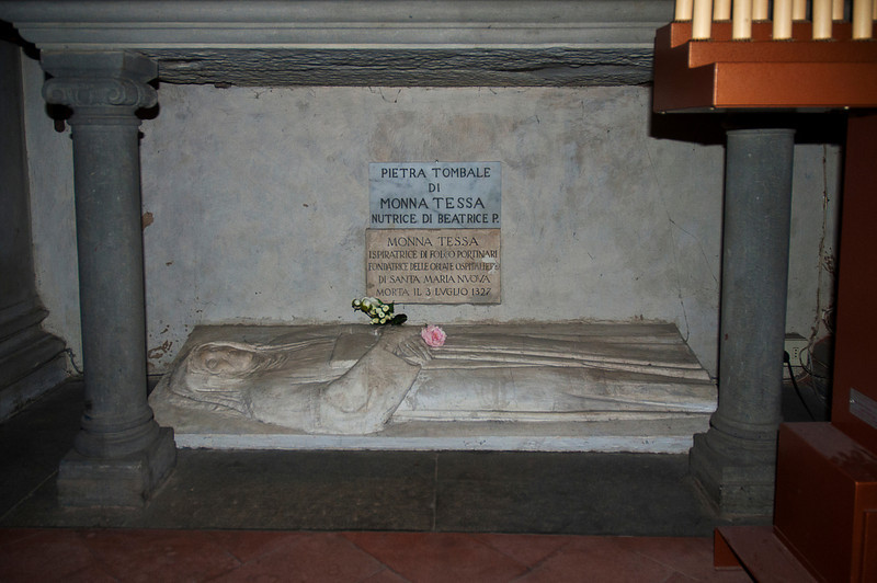 """While it is very likely that Beatrice """"Bice"""" di Folco Portinari del Bardi worshipped here, it is not true that she is buried here. <br /> <br /> This is the grave of Monna Tessa, Beatrice's nursemaid."""