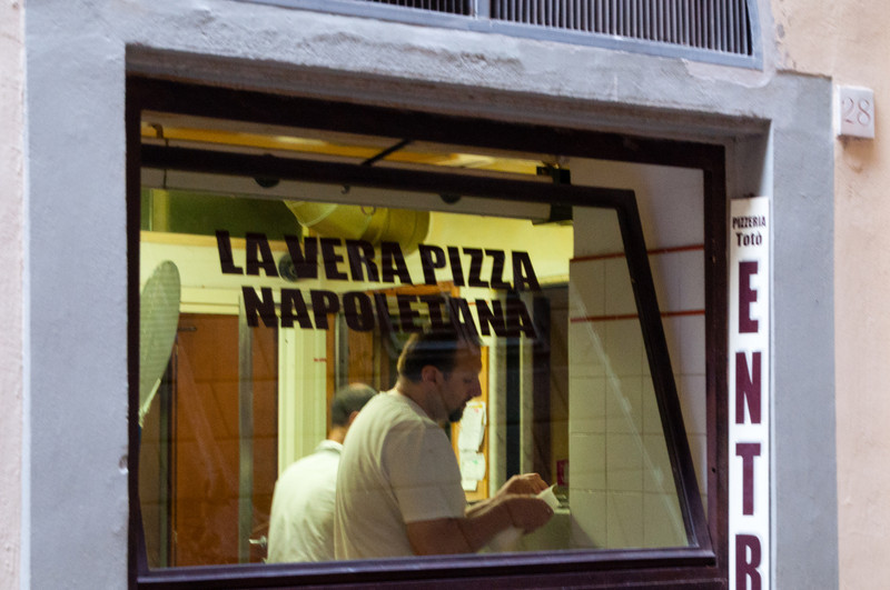 Do you need to go to Florence for Neapolitan Pizza?