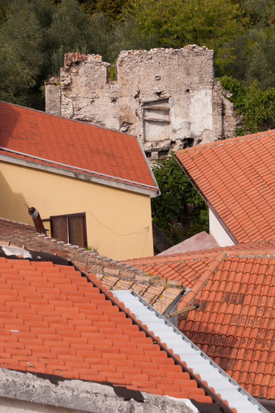Hillsides, homes and ruins in Oliveto Citra, Italy