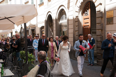 A wedding procession through the streets of Orvieto