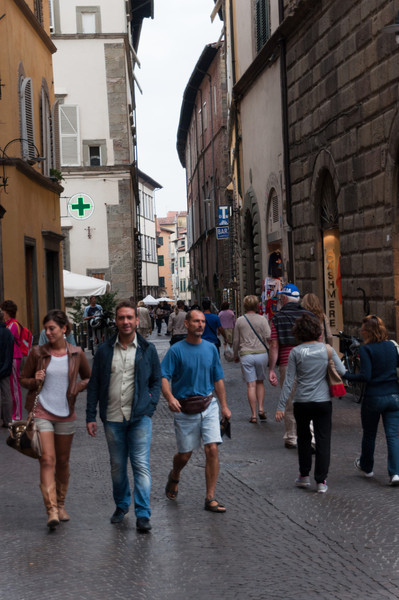 Shopping along Filalunga, Lucca, Tuscany, Italy