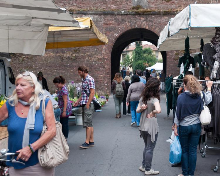 Market Day, Lucca, Tuscany, Italy