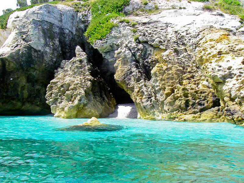 Caves and grottos with hidden, white sandy beaches