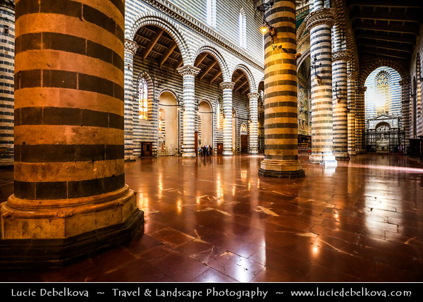 Europe - Italy - Italia - Umbria - Terni Province - Orvieto - Historical town located on flat summit of a large butte of volcanic tuff - Cathedral of Orvieto - Duomo di Orvieto - Large 14th-century Roman Catholic cathedral