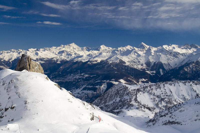 Benefiting from a unique microclimate and surrounded by the Muverans Mountains range, Ovronnaz offers a constant and abundant supply of powder snow and an enchanting views of the Swiss Alps.