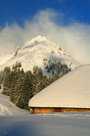 Teysachaux (1,909 m). This mountain is a popular gateway for backcountry skiing ...