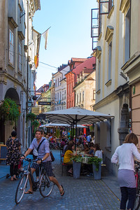 Cafes and cyclists