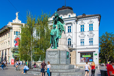 In Ljubljana, instead of honoring generals and politicians, they honor poets like Prešeren