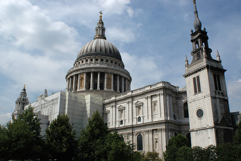 Giant St' Paul's cathedral