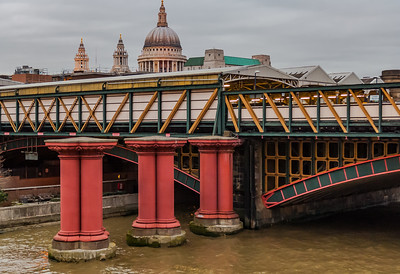 Colors of Blackfriars Bridge