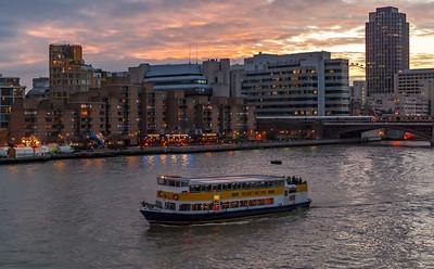 Thames Ferry Pridela