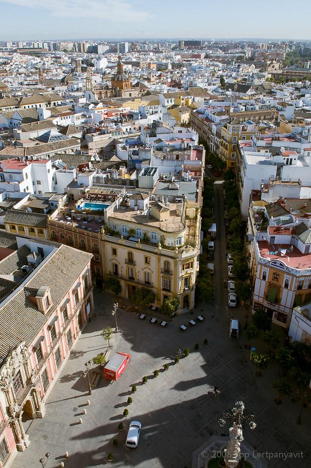 A view of the Plaza del Triunfo and Calle Mateos Gago from the Giralda in Sevilla