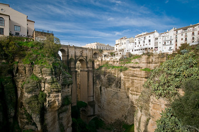 The Puente Nuevo bridges the older and newer parts of Ronda