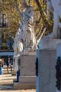 Statues in the Jardines de Lepanto