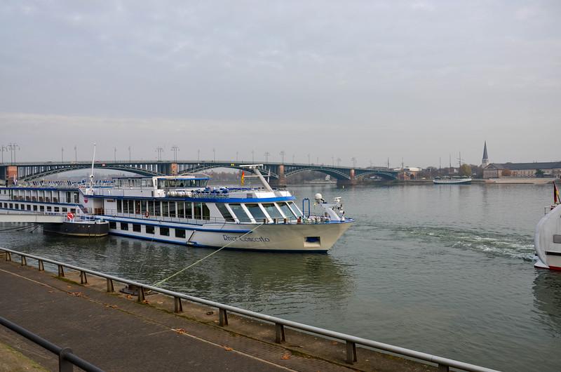 River Rhine, Mainz