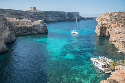 Crystal Lagoon, Comino. More beautiful clear and warm waters.