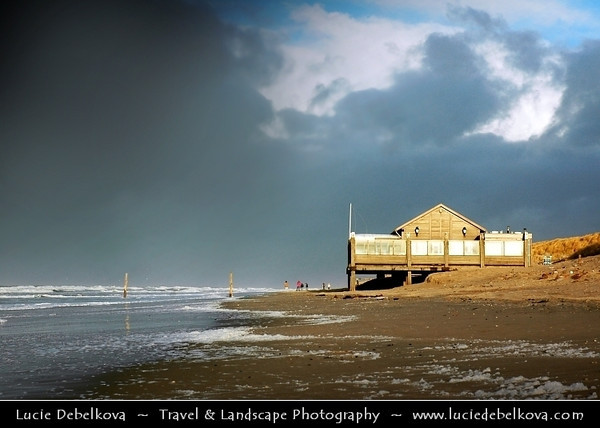 Netherlands - Vlieland Island - West Frisian Island in Wadden Sea - Stormy Evening on Shores of North Sea - UNESCO World Heritage Site <br /> <br /> Camera Model: NIKON D70; Lens: 18.00 - 70.00 mm f/3.5 - 4.5; Focal length: 50.00 mm; Aperture: 9.0; Exposure time: 1/320 s; ISO: 250