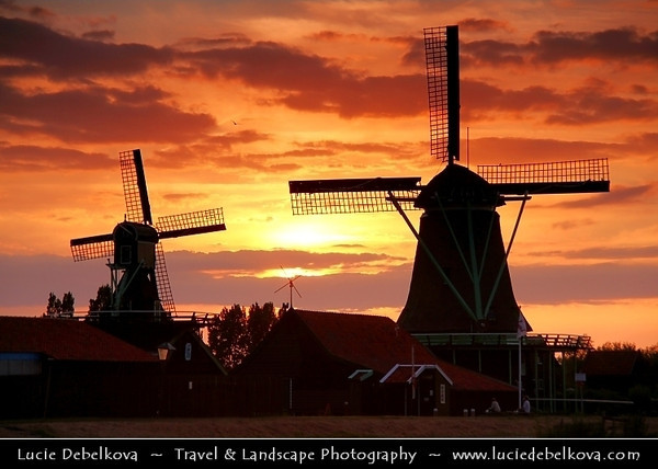 Netherlands - Zaandam - Zaanse Schans - Open air museum - Dutch village with wooden houses & windmills dating from the 17th and 18th centuries <br /> <br /> Camera Model: Canon EOS 5D Mark II; Lens: 28.00 - 300.00 mm; Focal length: 135.00 mm; Aperture: 6.3; Exposure time: 1/160 s; ISO: 320