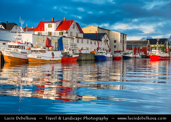 Europe - Scandinavia - Norway - North of the Arctic Circle - Nordland county - Lofoten islands archipelago - Vågan - Henningsvær - Picturesque fishing village located on several small islands off the southern coast of Austvågøya under fresh cover of snow during winter time