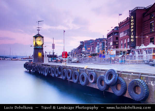 Europe - Norway - Oslo - Aker Brygge district - Popular destination with picturesque setting on the Oslo Fjord redeveloped into an exciting shopping and cultural district