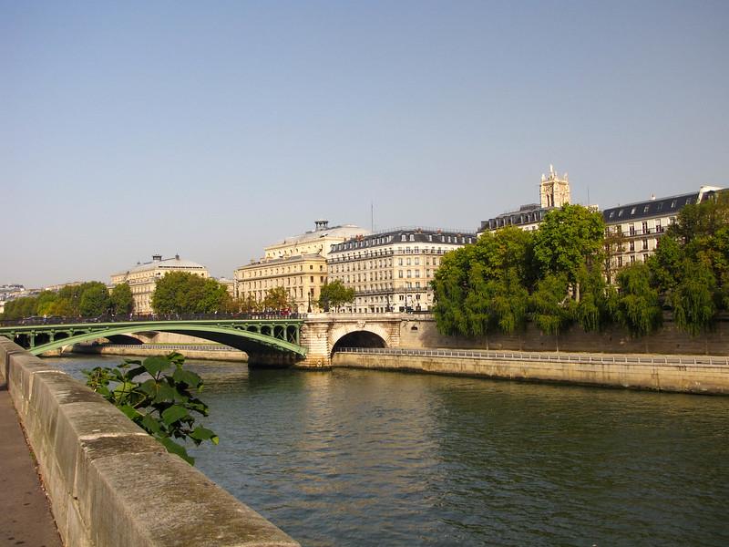 Crossing over the Seine to the Ile de la Cité.
