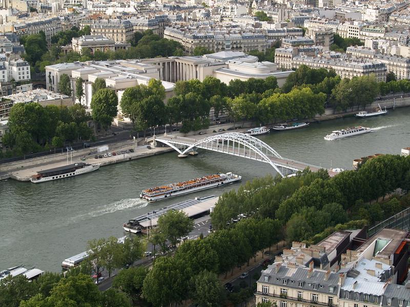 Tourists on the Seine