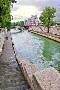 River Seine, next to Notre Dame, Paris, May 2007