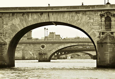 Bridges of the Seine, Ile de Cité, Paris, May 2007
