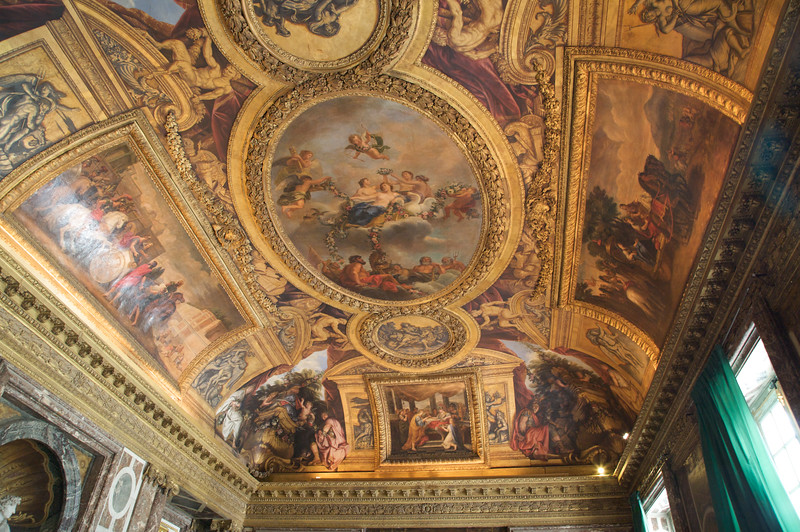 Decorated ceiling - Chateau de Versailles
