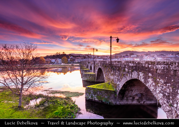 Europe - Portugal - Região Norte - North Region - Ponte de Lima - Oldest town in Portugal named after long medieval bridge that passes over Limia river that runs through historical town