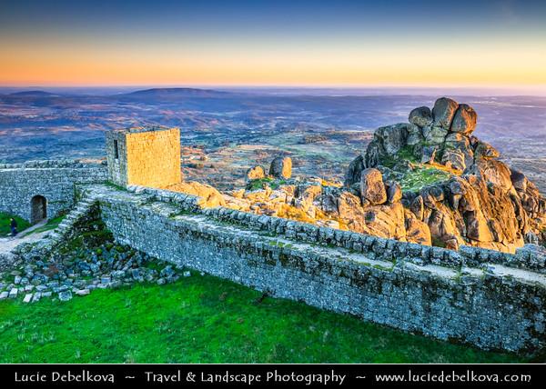 Europe - Portugal - Região Centro - Central Region - Monsanto - Castelo de Monsanto - Medieval castle above Stunning Medieval Mountaintop Portuguese village build in and around gigantic 200-tonne boulders