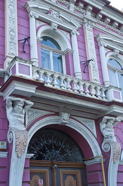Elaborate architectural motifs abound in Târgu Mureş.