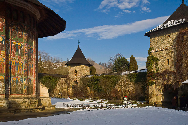 Defensive walls and towers at Moldovita