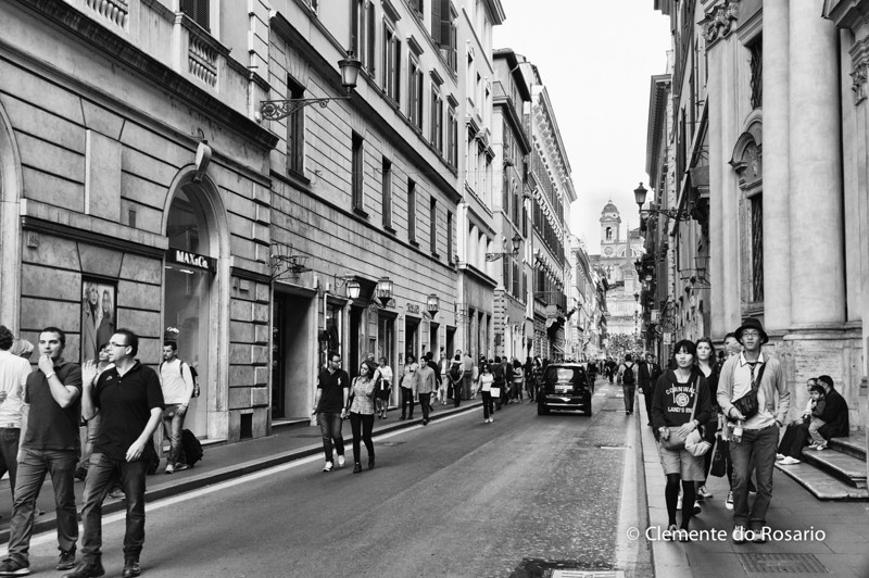 Street leading to the Piazza di Spagna, Rome, Italy