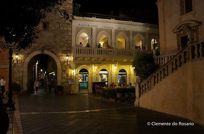 File Ref: 2012-10-22 Taormina NX5 397 Taormina's main square, Piazza IX Aprile, Sicily, Italy