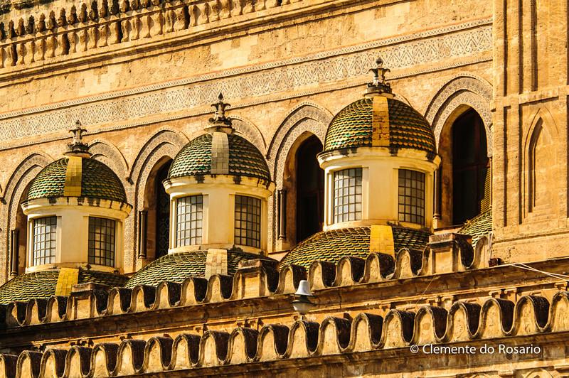 File Ref: 2012-10-19 Palermo 294<br /> The Baroque small side cupolas by Ferdinando Fuga.Palermo Cathedral
