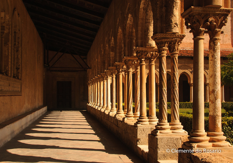 File Ref: 2012-10-19 Palermo 363<br /> Monreale's Cloisters arches  borne  by 228 paired columns and capitals.