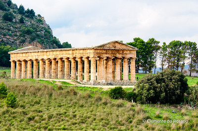 File Ref: 2012-10-26 Erice NX5 670 1898 Greek Temple in Segesta, is located in the middle of beautiful countryside, Sicily