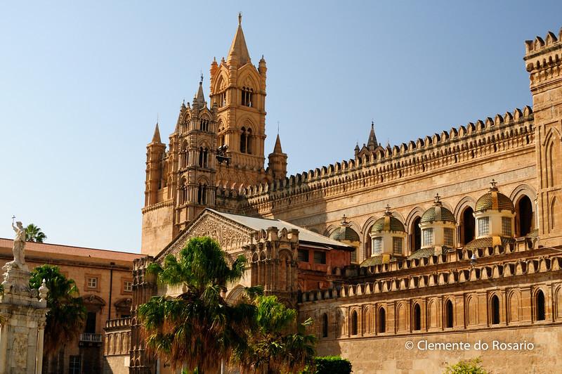 File Ref: 2012-10-19 Palermo 292<br /> The Baroque small side cupolas by Ferdinando Fuga., Palermo Cathredal