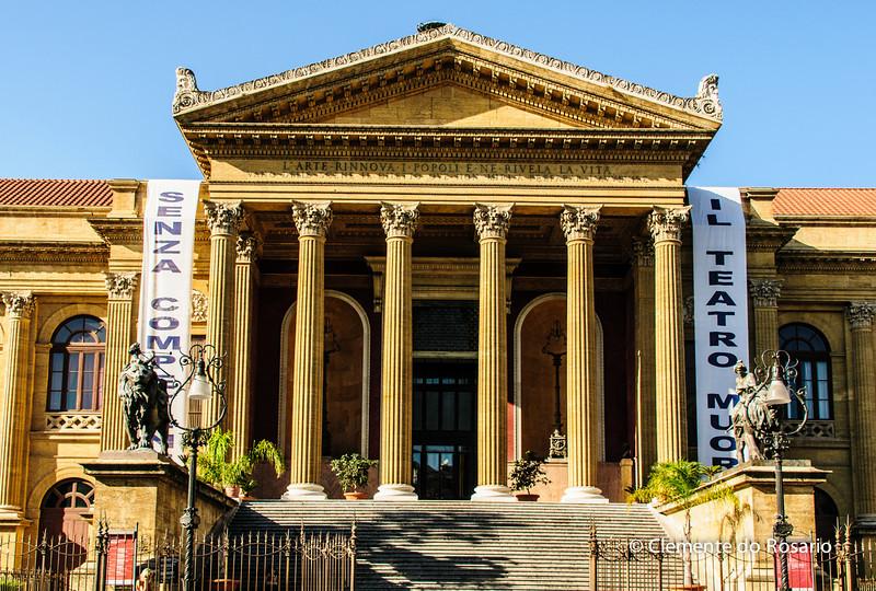 File Ref: 2012-10-19 Palermo 328<br /> Teatro Massimo Opera House, Palermo, Sicily, Italy