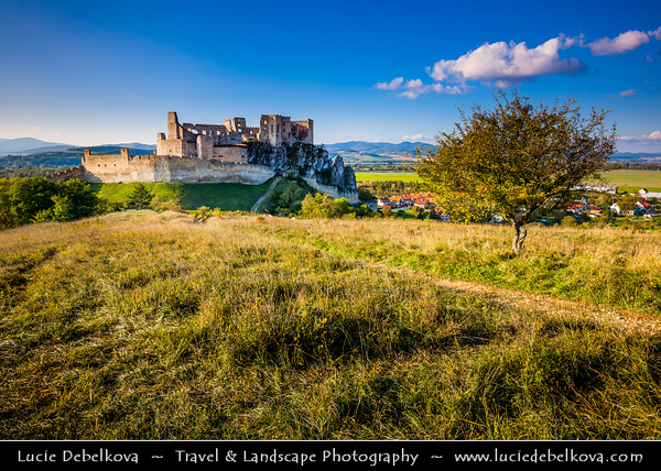 Europe - Slovak Republic - Slovensko - Western Slovakia - Beckov hrad - Beckov Castle - Gothic castle built on top of a steep rock over Váh River valley