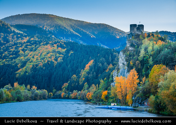 Europe - Slovak Republic - Slovensko - Northern Slovakia - Strečno Castle - Strečniansky hrad - Ruined medieval castle standing on 103-metre-high calcite cliff above River Vah