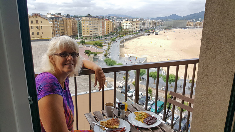 Spain 2016: Zurriola Beach and our San Sebastian Apartment