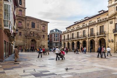 Oviedo Plaza