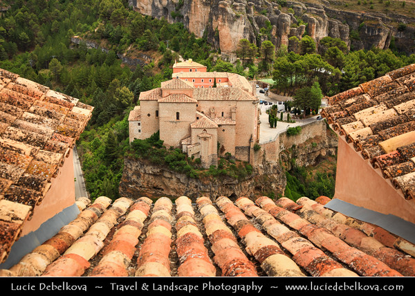Europe - Spain - España - Castile-La Mancha - Cuenca - UNESCO World Heritage Site - Historic walled town built on limestone ridge - Medieval fortified city with Moorish origins - Cuenca's historic heart with cathedral, aristrocatic houses, monasteries, churches & remarkable Hanging Houses