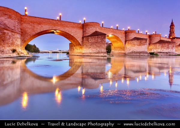Europe - Spain - España - Aragon - Zaragoza - Saragossa - Puente de Piedra - Stone Bridge over Ebro River - Oldest bridge still in use on Ebro