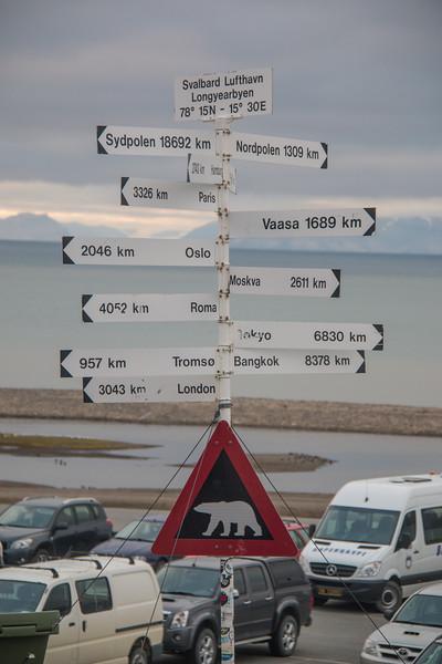 Svarlbard Airport, Longyearbyen