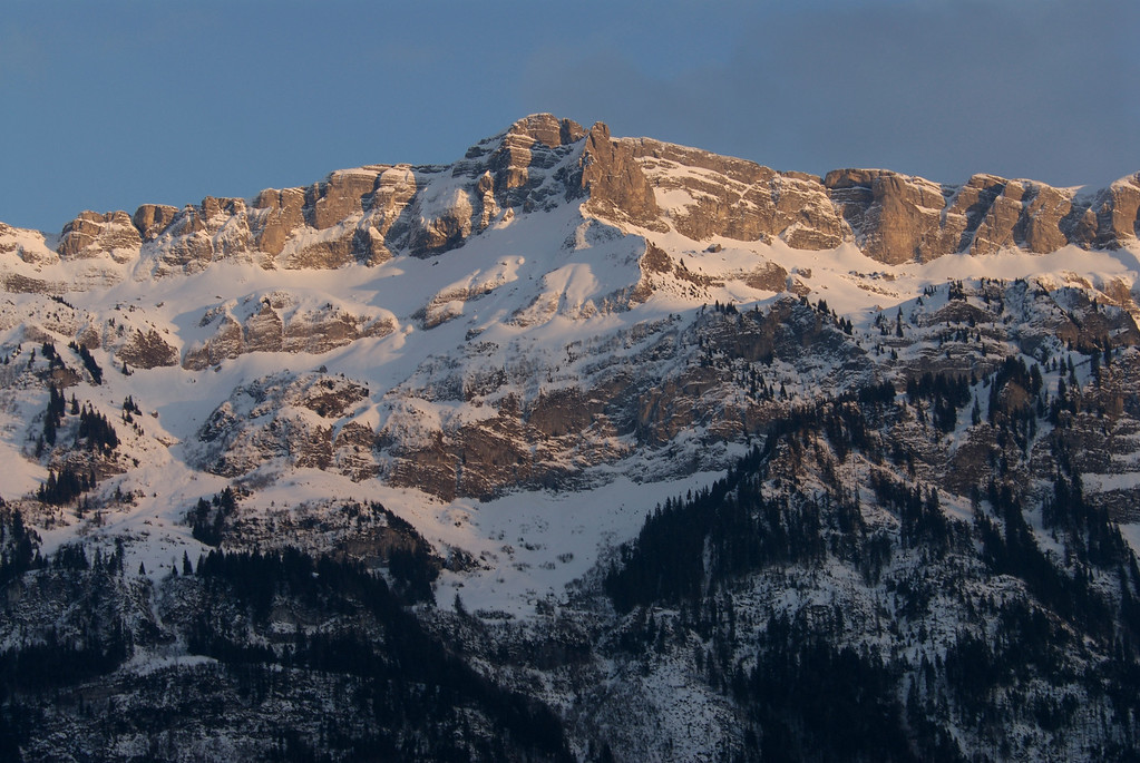 Peaks around Lake Brienz.